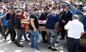 Полиция арестовала двух человек, сфотографировавших тело погибшего футболиста Салы