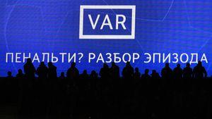 ФИФА разрешила отказаться от VAR, в Европе новые случаи заражения футболистов. Главные карантинные новости футбола