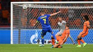 «Какой шикарный гол!» Форвард сборной Украины Ярмоленко нанес потрясающий удар в игре с Нидерландами на Евро: видео