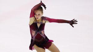 Трусова с тремя чистыми четверными победила Косторную в Казани. Они впервые соревновались как ученицы Плющенко