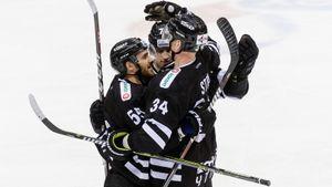 Клуб КХЛ немог победить восновное время три недели. «Спартак» доставил ему очки прямо надом