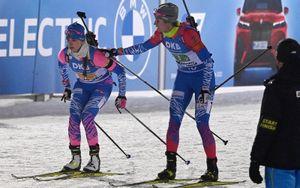 Миронова и Казакевич спустились вниз с высоты стадиона в Поклюке для подготовки к эстафете и масс-старту на ЧМ