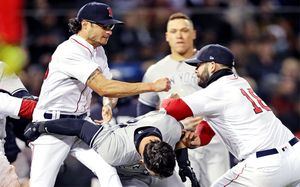 Адское побоище: лучшие бейсболисты Америки отбросили биты и махались на кулаках