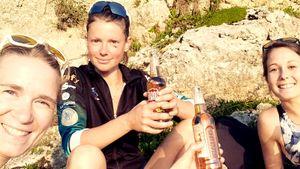 Как сейчас выглядит и чем занимается олимпийская чемпионка по биатлону Мари Дорен-Абер. У нее уже двое детей