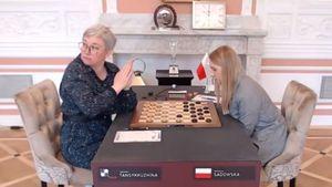 «Были вынуждены делать это под давлением». Чемпионка мира по шашкам — о снятии флага России на ЧМ в Польше