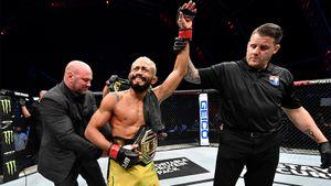 Кратос из Бразилии прикончит американца за 3 раунда. Прогноз на главный бой UFC 255 Дейвесон Фигередо — Алекс Перес
