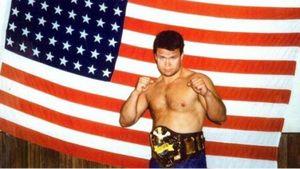 Побил троих за вечер и стал первым чемпионом UFC из России. Как Тактаров побеждал в США задолго до Хабиба