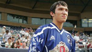 Александр Овечкин: родители запрещали играть в хоккей, а он стал легендой в России и США. История великого форварда