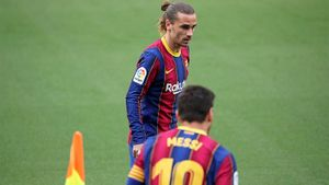 Почему «Барселона» сливает свою суперзвезду. Гризманна очень стараются вернуть в «Атлетико»