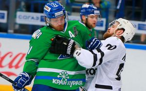 «КХЛ должна выдать мне скидочную карту наоплату штрафов». Самый жесткий защитник России