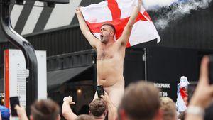 «Английские фанаты— животные! Забаньте их навсегда». Англию требуют наказать за позорное избиение итальянцев