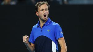 Медведев 5 раз отдал подачу, нопобедил таланта изСША наAustralian Open. Лучший матч 1-го круга