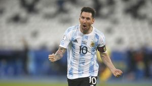 Шикарный гол Месси со штрафного не позволил Аргентине победить Чили в первом матче на Кубке Америки