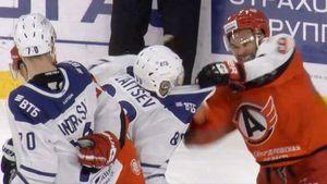 Российские клубы КХЛ устроили два кулачных боя за11 секунд: видео