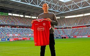 Российский вратарь Митрюшкин заключил контракт с немецкой «Фортуной»
