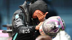 Хэмилтон пропустит Гран-при Сахира из-за положительного теста на коронавирус