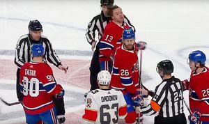 Канадец хотел расправиться с русским игроком, ударившим его коленом в голову. Его остановили судьи