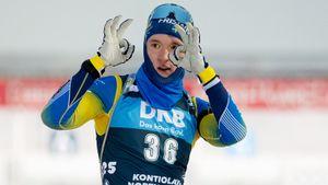 Критик русского биатлона Самуэльссон выиграл первую личную гонку в карьере на Кубке мира. А россиян нет и в топ-20