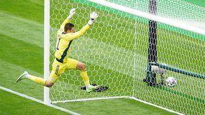 Гол Шика в ворота Шотландии признан лучшим на Евро-2020: видео