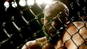 Экс-чемпион UFC Деметриус Джонсон потерпел 1-е в карьере досрочное поражение. Его нокаутировали на турнире ONE