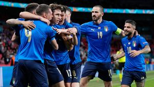 Крутая развязка в плей-офф Евро. Италия чуть не сгорела Австрии в основное время— помог судья, но зарешала в допах
