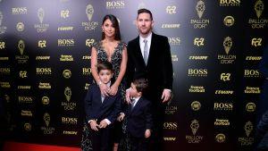 «Золотой мяч»: жена идети Месси записали трогательное видео вчесть лучшего футболиста мира