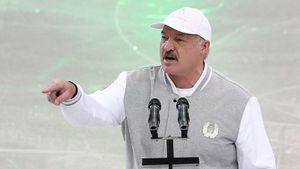 «Лучше умереть стоя, чем жить наколенях». Лукашенко ответил навопрос окоронавирусе