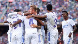 «Реал» победил «Барселону» в эль-класико и вышел на первое место в Ла Лиге