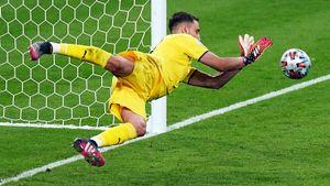 Доннарумма вытащил Евро для Италии. Хотя недавно его ненавидели своиже фанаты