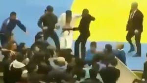 Зрители устроили массовую драку в Каспийске во время первенства СКФО по дзюдо среди юниоров: видео