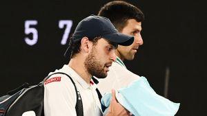 Карацев заставил лучшего теннисиста мира орать на весь стадион, но покинул Австралию. Как закончилась сказка Аслана