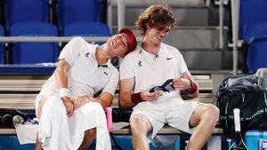 Русский олимпийский финал в теннисе закончился победой Павлюченковой и Рублева. Им пришлось отыгрывать матчбол