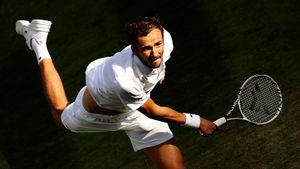 Главный русский теннисист снова столкнется с проблемами, несмотря на статус фаворита. Прогноз на Медведев— Хуркач
