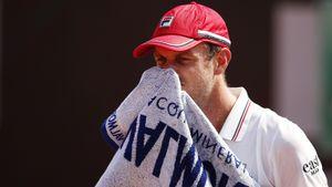 Американский теннисист Куэрри сдал положительный тест на ковид и сбежал из России. Его могут отстранить на 3 года