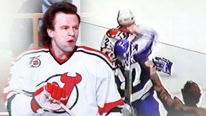 Знаменитая драка советского хоккеиста Фетисова. Канадец уложил его с одного удара, но сам чуть не ушел на пенсию