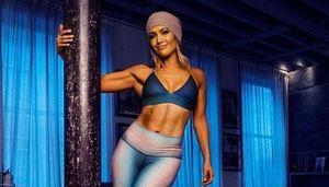 Marca оценила спортивную форму 50-летней Дженнифер Лопес: «Ее тело мускулистей, чем когда-либо»