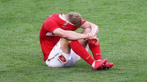 Защитник «Спартака» Маслов забил курьезный гол в свои ворота в игре с «Сочи»: видео