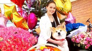 Отмечающая совершеннолетие Загитова выложила фото сМасару вокружении огромных букетов цветов