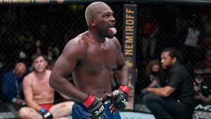 Американец Брансон финишировал англичанина Тилла в главном поединке турнира UFC в Лас-Вегасе