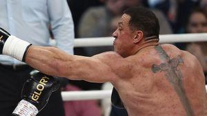 Михаил Кокляев победил Артема Тарасова судейским решением