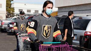 В двух клубах НХЛ вспышка коронавируса — тренировки прекращены. Как это может отразиться на новом сезоне