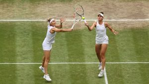 Кудерметова и Веснина не смогли выиграть Уимблдон в парном разряде, уступив в финале Мертенс и Се Шувей