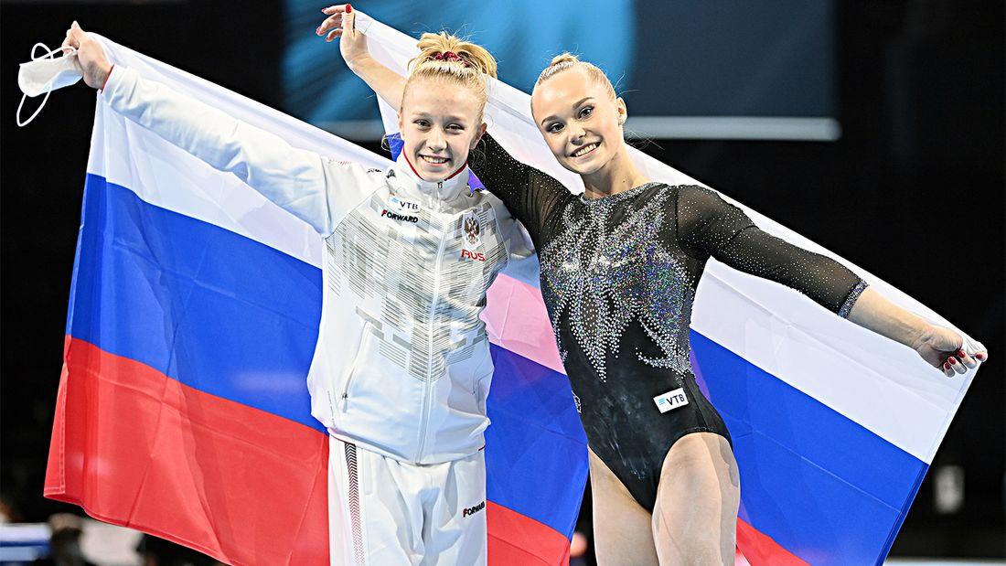 15-летняя россиянка Листунова  абсолютная чемпионка Европы. Дебютантка оказалась спокойнее опытной Мельниковой