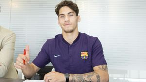 «Барселона» купила 18-летнего голландца иоценила его в100млн евро