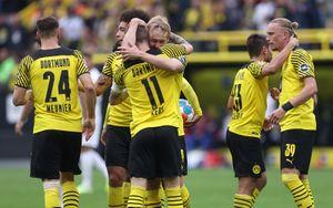 Дортмундская «Боруссия» обыграла «Аугсбург» и поднялась на 2-е место в Бундеслиге