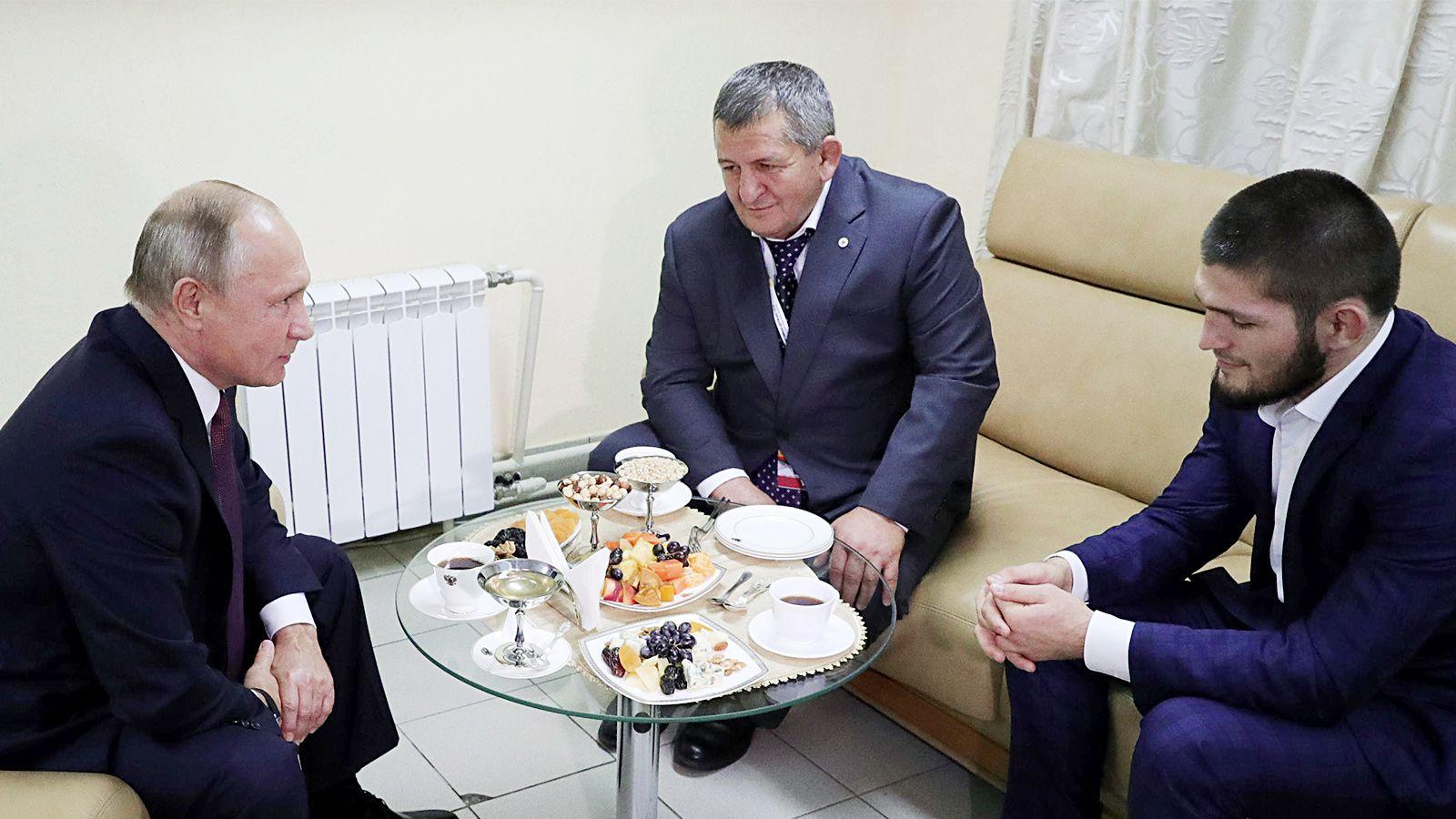Путин вдвое опередил Нурмагомедова поупоминаниям всоцсети «ВКонтакте»