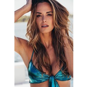 (Instagram.com/jenamsims)