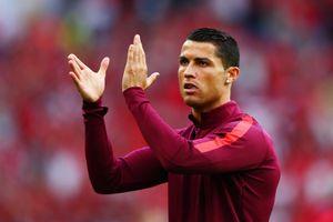 Роналду иМендеш пожертвовали более €1млн больницам Португалии