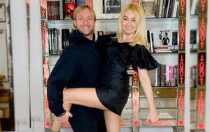 45-летняя Рудковская показала коллекцию своих черных мини-платьев: «Планирую их носить еще минимум лет 10»