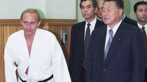 Путин: «Боевое самбо становится массовым видом спорта. Уверен, его полюбят тысячи людей заграницей»